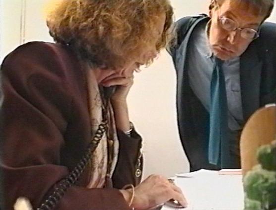 http://www.joelbartolomeo.net/files/gimgs/th-47_22_Francoise-et-Journiac_1994_5mn30_Bartolomeo.jpg